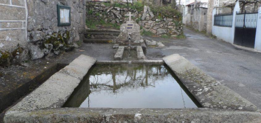 Fonte e lavadoiro de Oxén