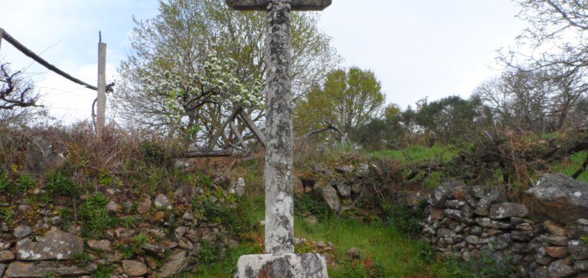 Cruz da capela en Entrambosríos