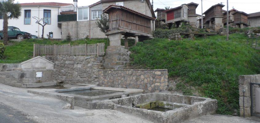 Fonte e lavadoiro en Olás