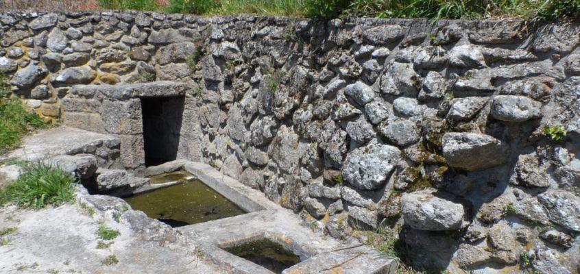 Fonte e lavadoiro do Regueiriño en Pazos