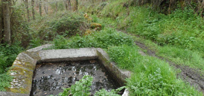 Lavadoiro do regueiro de abaixo en Cobas do Río