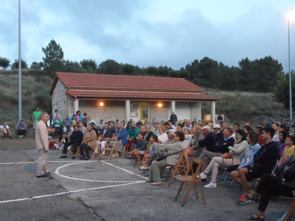 Avelino González fixo sorrir ó público no campo da festa de Zarracós