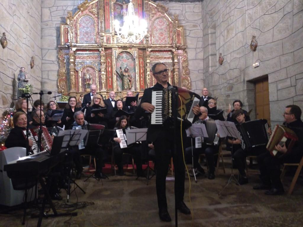 O IV Concerto de fin de ano encheu de música e público a Igrexa Parroquial de Zarracós