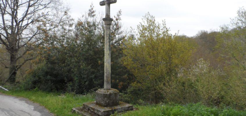 Cruceiro da igrexa en Entrambosríos